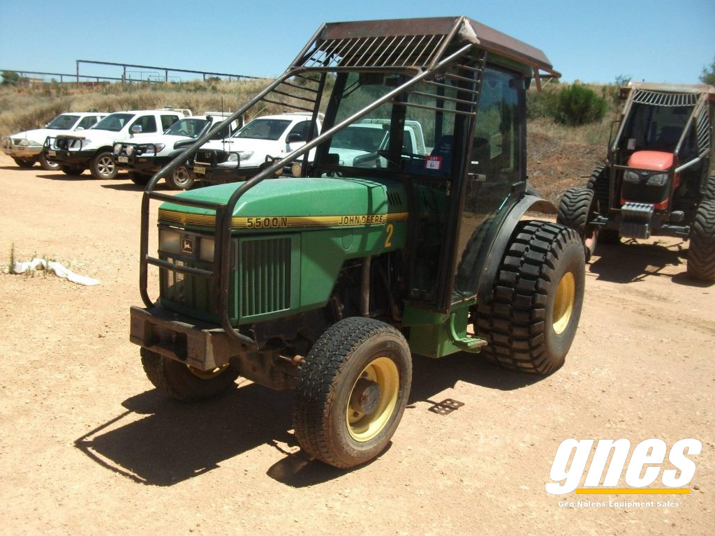 This image has an empty alt attribute; its file name is john-deere-5500n-fwa-cab-tractor-1-1024x768.jpg