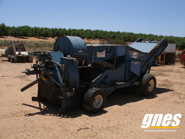 weiss-mcnair-9800-pto-nut-harvester